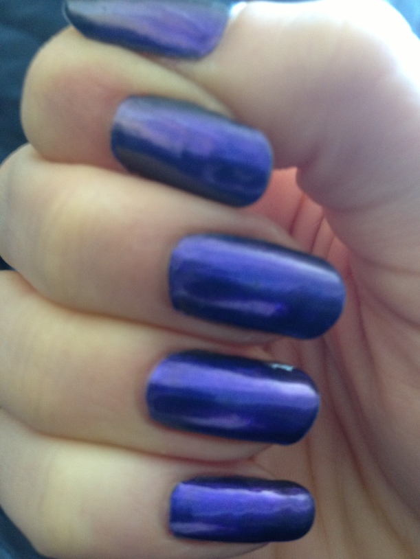 Natural daytime light - bring out a brighter purple tone.
