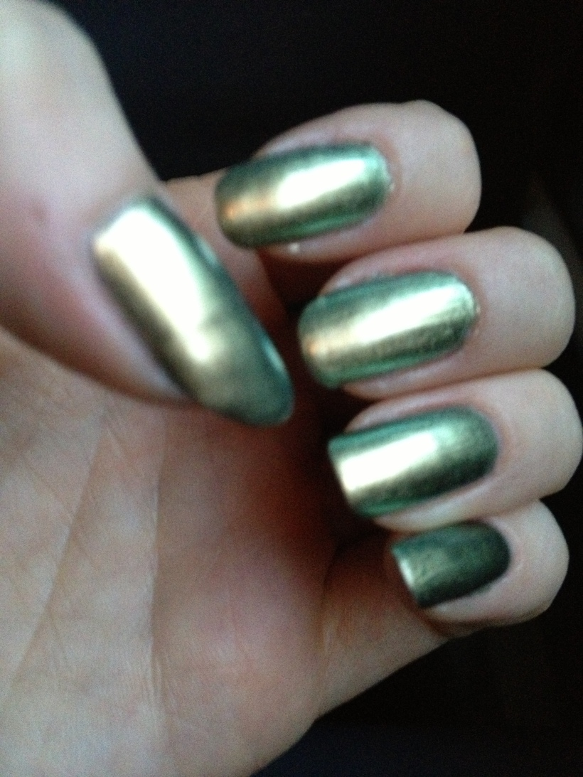 Natural sunlight brings out the cool greens and silvers.