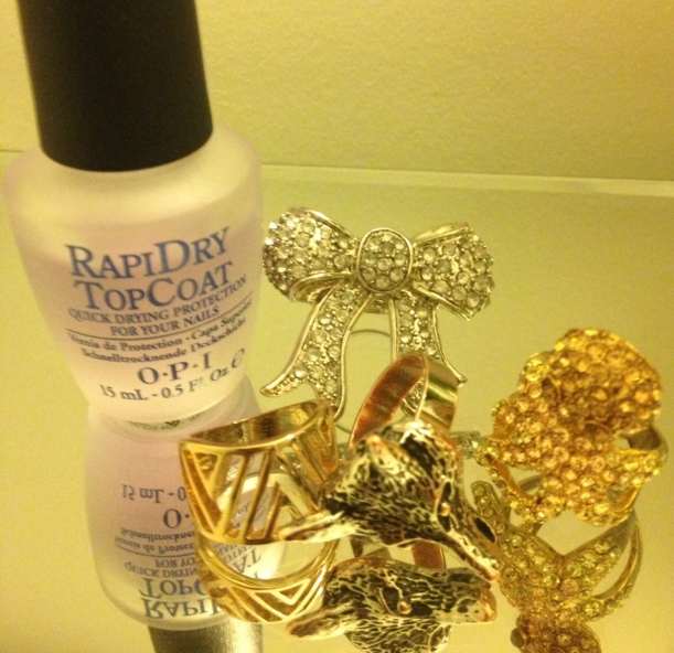 How To Avoid Stains From Costume Jewelry