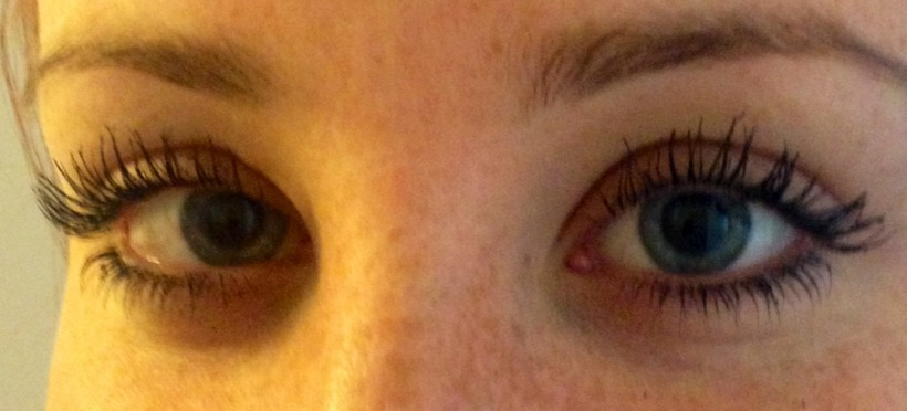After - Angle View [YSL Mascara Volume Effet Faux Cils Babydoll]