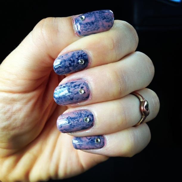 seran wrap manicure
