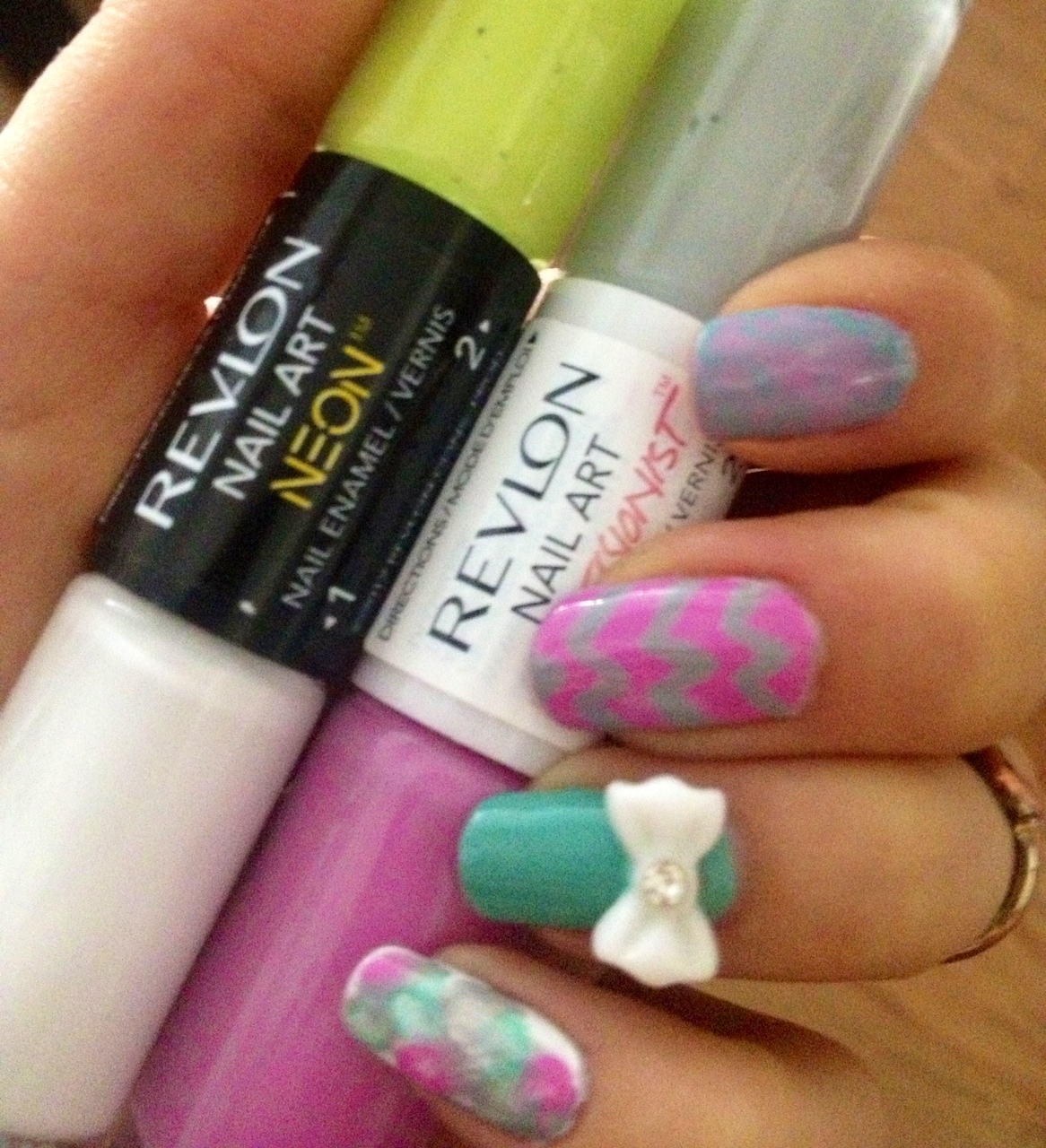 Nail art neon a 53 perspective revlon nail art collection prinsesfo Gallery