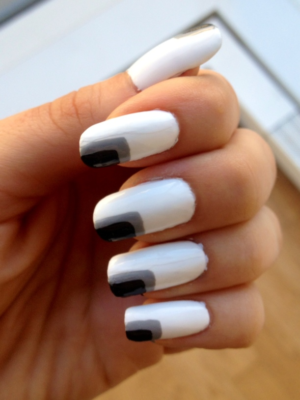 black and white mani