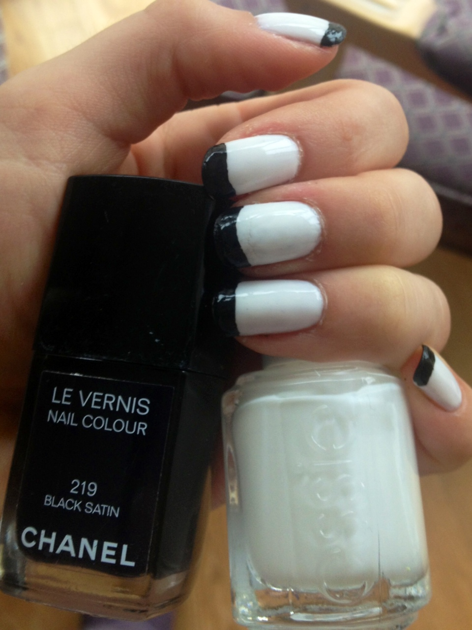 Manicure Monday: Black and White French Tips | A 5\'3 Perspective