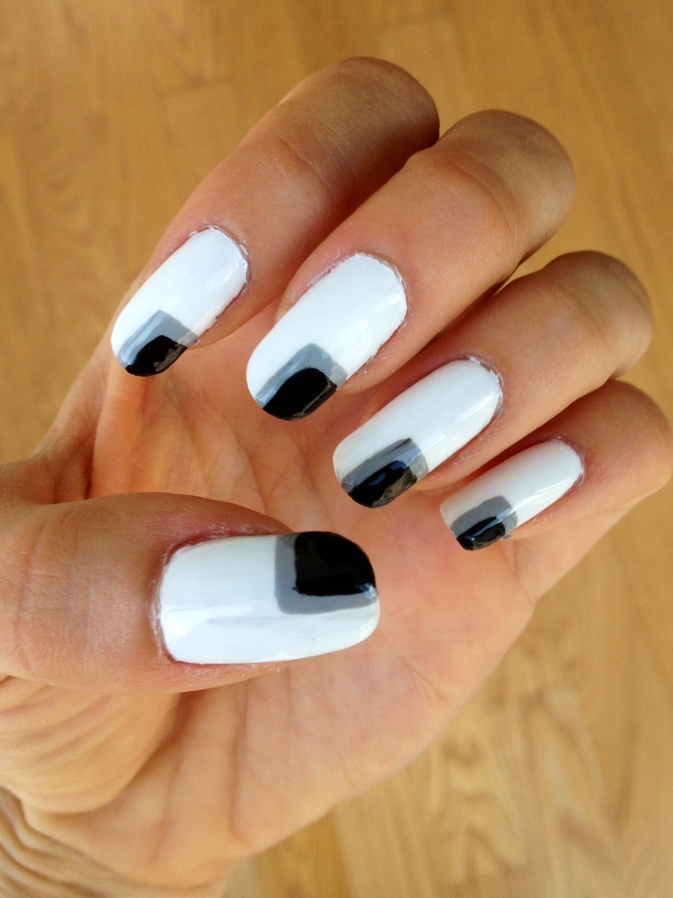 Black and White Nails | A 5\'3 Perspective