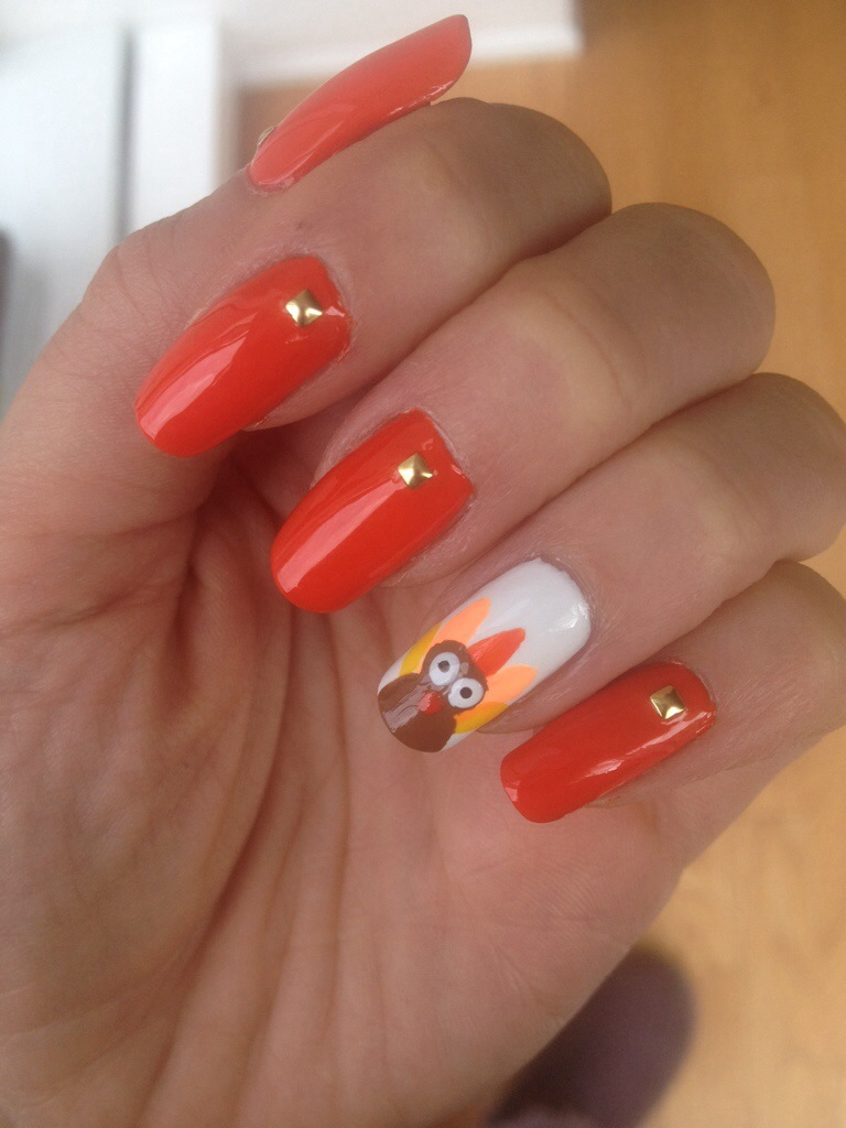 Manicure Monday: Thanksgiving Turkey Nail Art | A 5\'3 Perspective